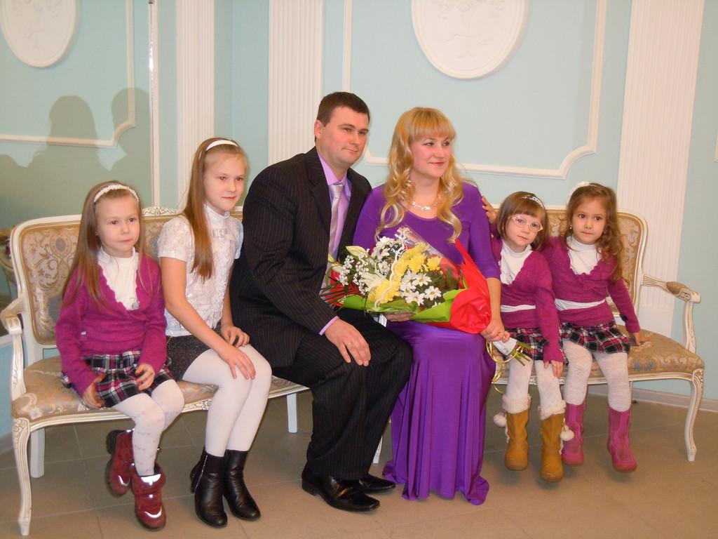 Кировского муниципального района ленинградской области чествовали золотых юбиляров семейной жизни - супругов